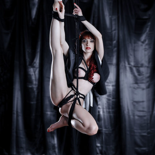 shibari bondage fetish black room rope
